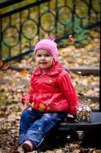 Осенняя прогулка по Тверицкой набережной. Дочь Настенька