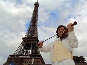 Концерт живой музыки Под небом Парижа