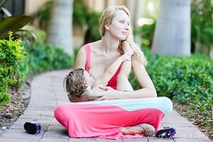 Кормление грудью ребёнка старше года