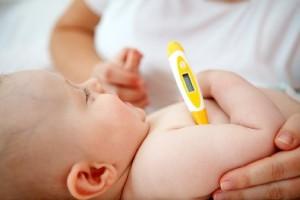 Измерение температуры у ребёнка